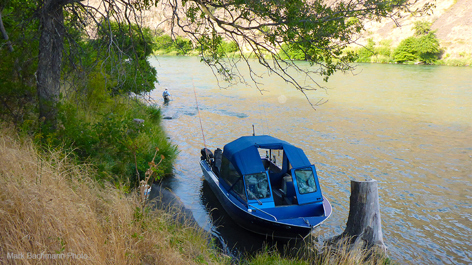 Big, roomy jet boat on the Deschutes river in Oregon belonging to professional fly fishing guide Mark Bachmann from The Fly Fishing Shop in Welches, Oregon.