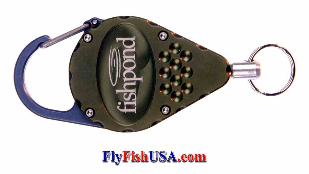 The Fishpond Arrowhead Retractor is machined from 6060 aerospace aluminum, picture of front horizontal
