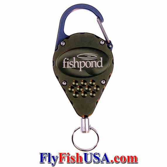 The Fishpond arrowhead retractor is made in USA, picture from front verticle
